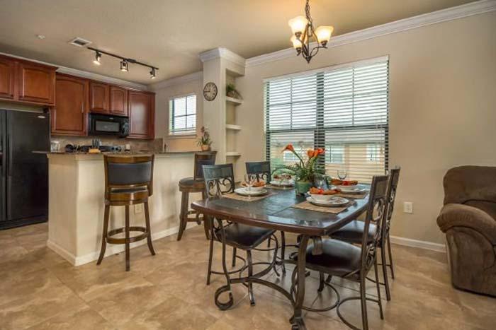 Bella-Piazza-Resort-Condos-in-Orlando-4BR-Kitchen-1-op