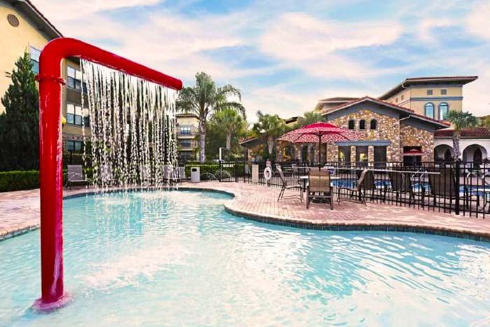 Bella-Piazza-Vacation-Condos-Kids-Pool-op