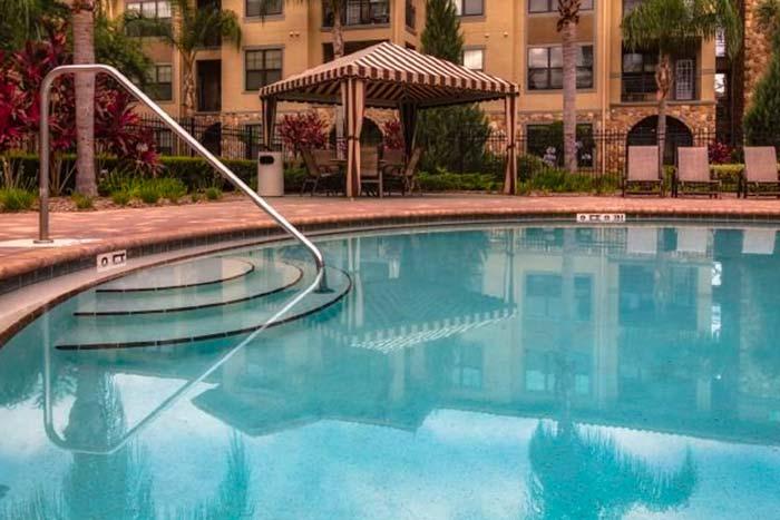 Bella-Piazza-Vacation-Condos-Pool-2-op