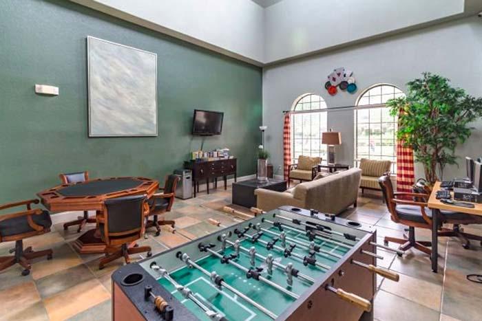 Bella-Piazza-Vacation-Condos-game-Room-op