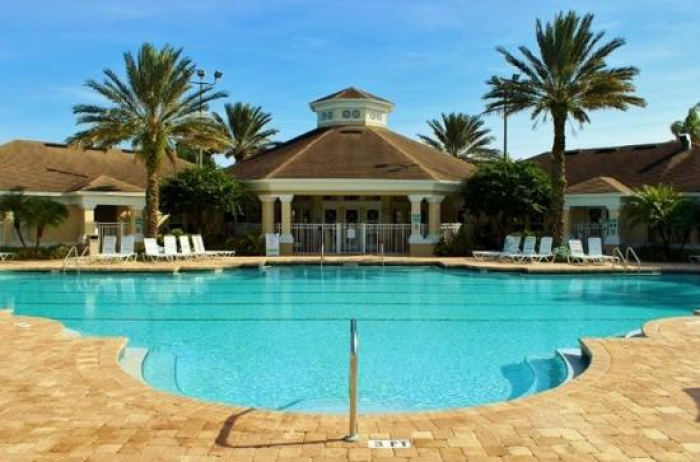 /hotelphotos/thumb-700x462-39305-windsor-palms-resort.jpg