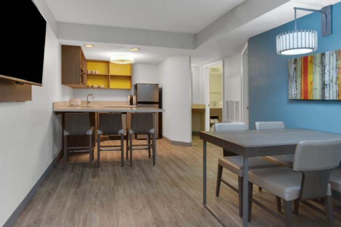 3 bedroom kitchen and dining feels just like home