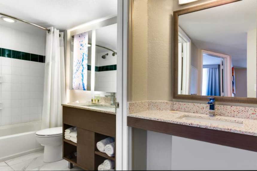 /hotelphotos/thumb-860x572-78288-C - 1 Bedroom Bathroom - Copy.jpg