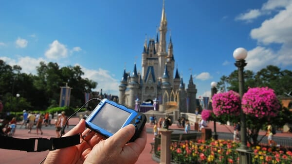 disney-accessibility-handheld-device2