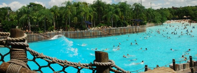 typhoon-lagoon-wave-pool