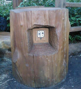 disney world free phone charging station