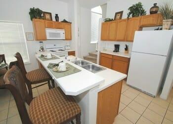 orlando-vacation-home-rental-kitchen