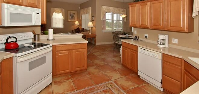 orlandovacation_home-rental-kitchen