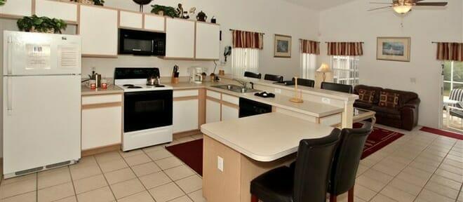 orlandovacation_home-rental-kitchen