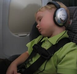 orlandovacation_kids-airplane-headphones