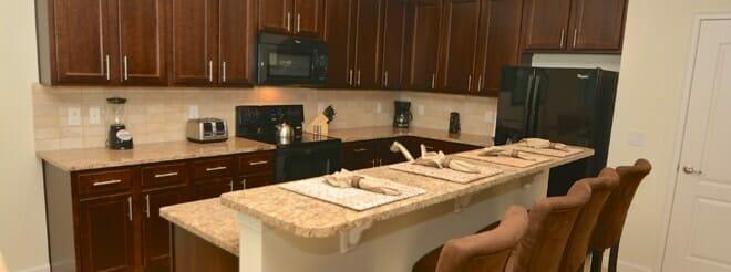 orlandovacation_orlando-pool-home-kitchen