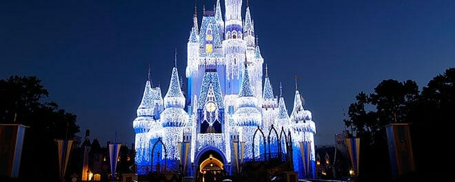 orlandovacation_Cinderellas-castle-winter