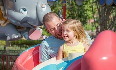 dad-daughter-disney-world-ride