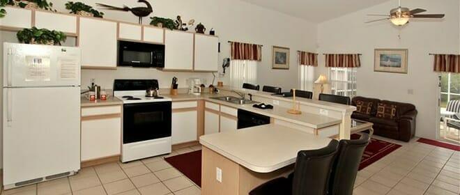 orlandovacation_6-bedroom-kitchen