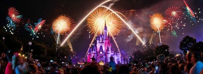 orlandovacation_magic-kingdom-fireworks