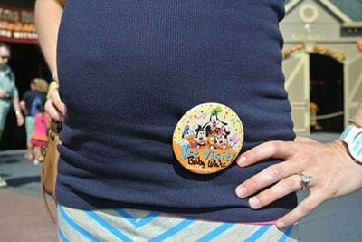 disney-world-pregnant