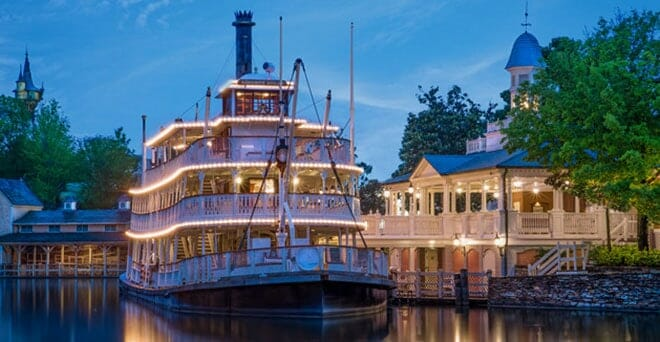 liberty-square-riverboat