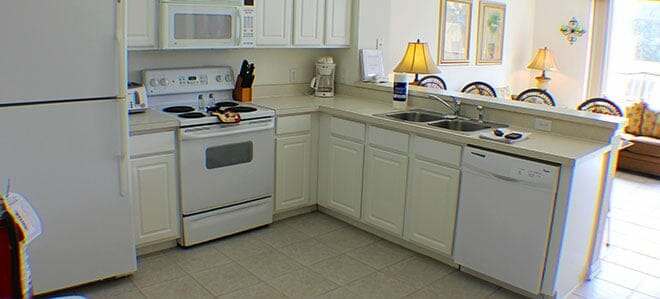 orlandovacation_home-rental-equipped-kitchen
