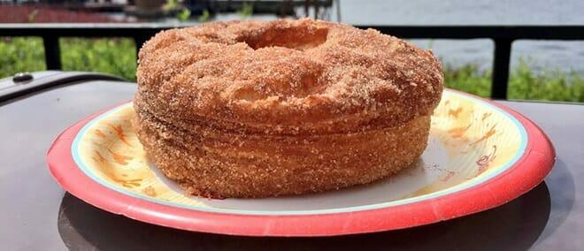 croissant-donut-refreshment-port