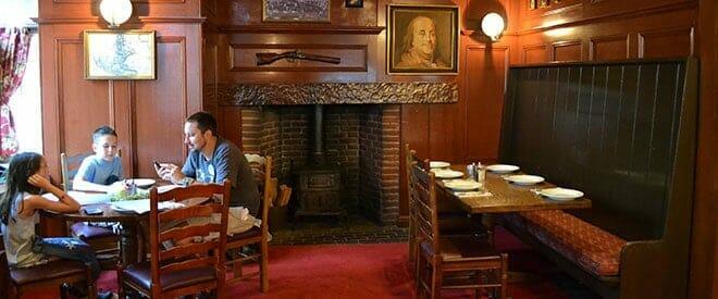 liberty-tree-tavern-dining