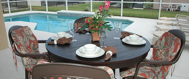 orlando-vacation-home-poolside