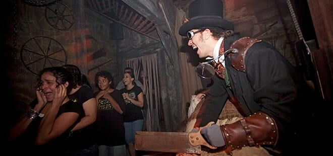 halloween horror nights haunted house