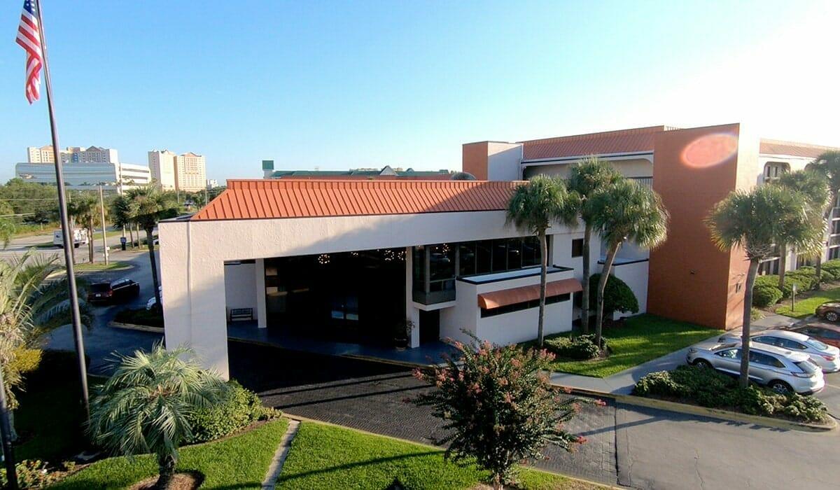 Baymont Inn Universal Orlando Hotel Front View