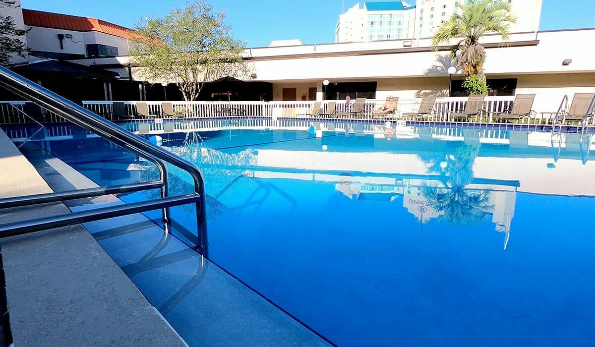Baymont Inn Universal Orlando Hotel Pool 1