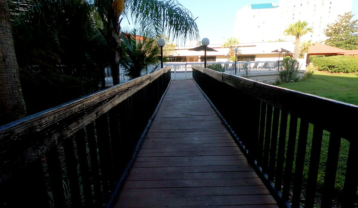 Baymont Inn Universal Orlando Hotel bridge