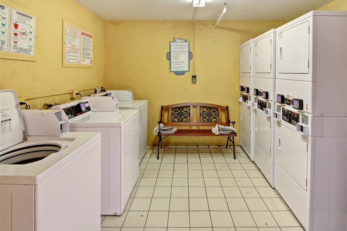 Baymont Inn and Suites Disney Orlando Hotel Laundry