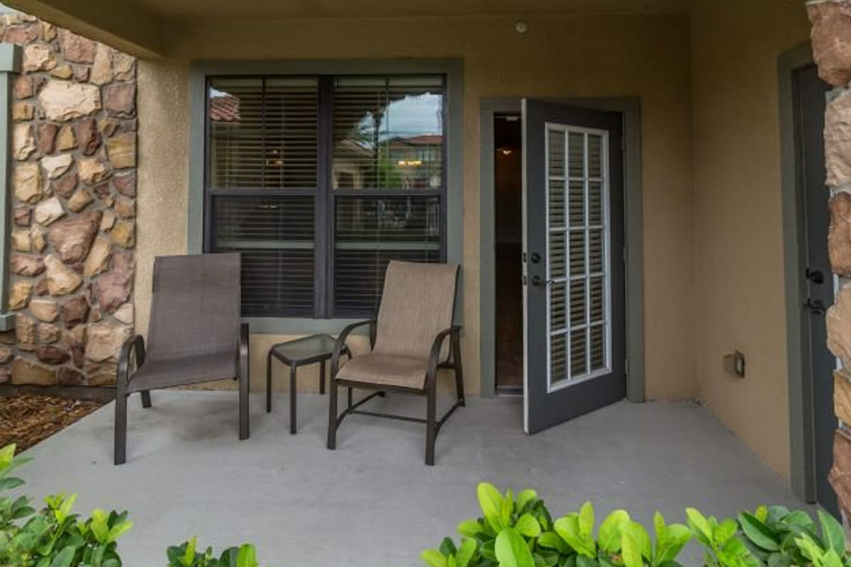 Bella Piazza Resort Condos in Orlando 2BR Front