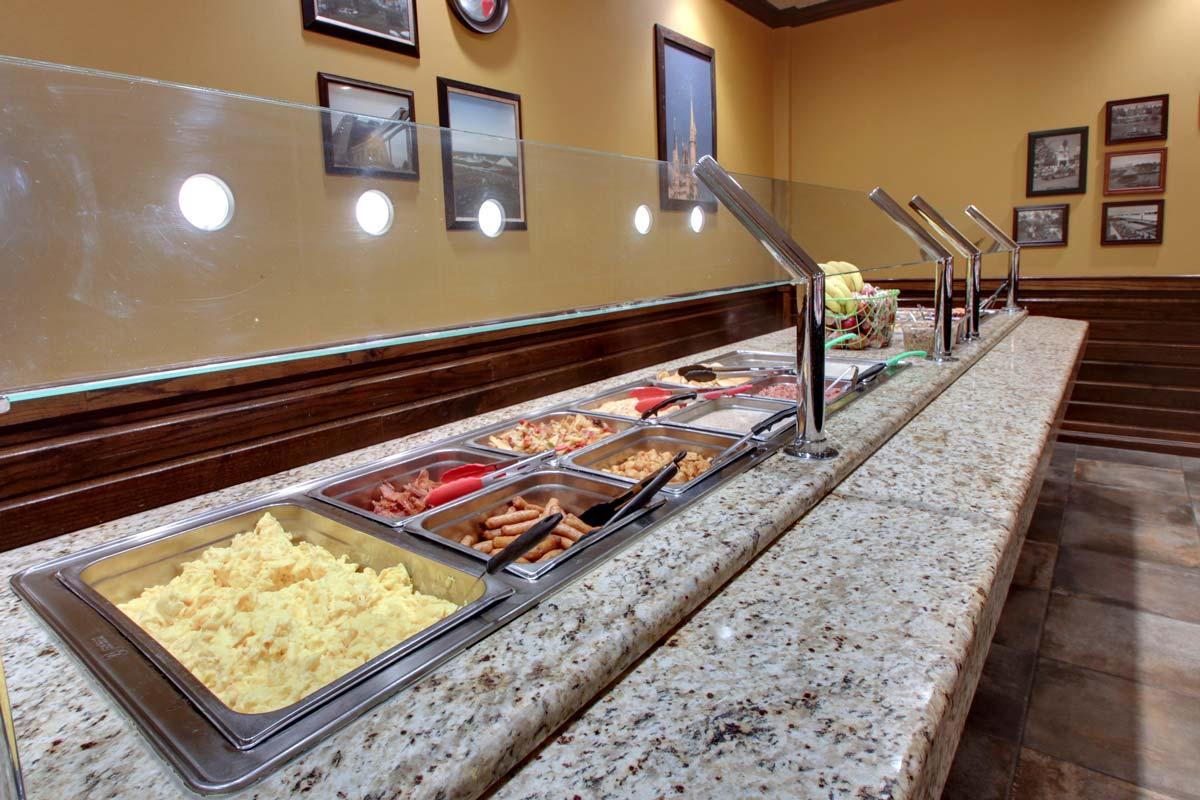 Hyatt-Lake-Buena-Vista-Hotel-Dining_Breakfast-2