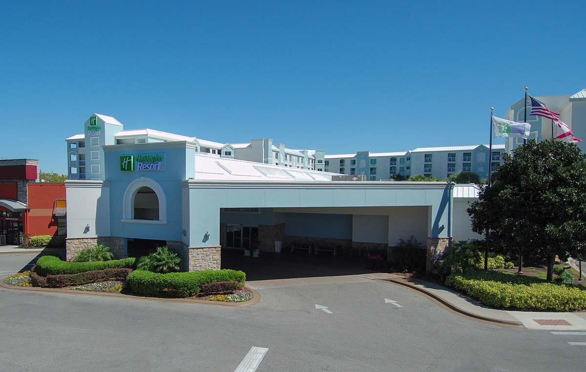 Hyatt-Lake-Buena-Vista-Hotel-Exterior_Day_2