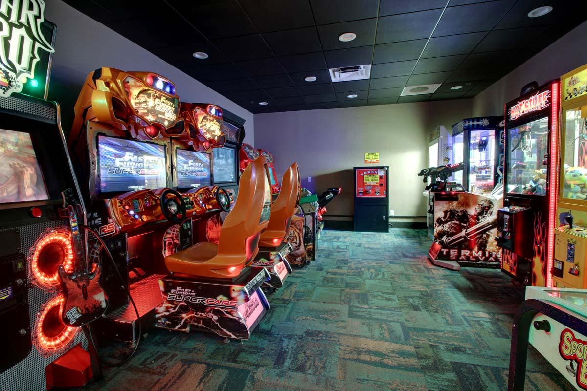 Hyatt-Lake-Buena-Vista-Hotel-Game-Room