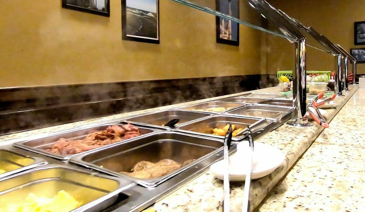 Holiday Inn Lake Buena Vista Orlando Hotel Breakfast - OrlandoVacation