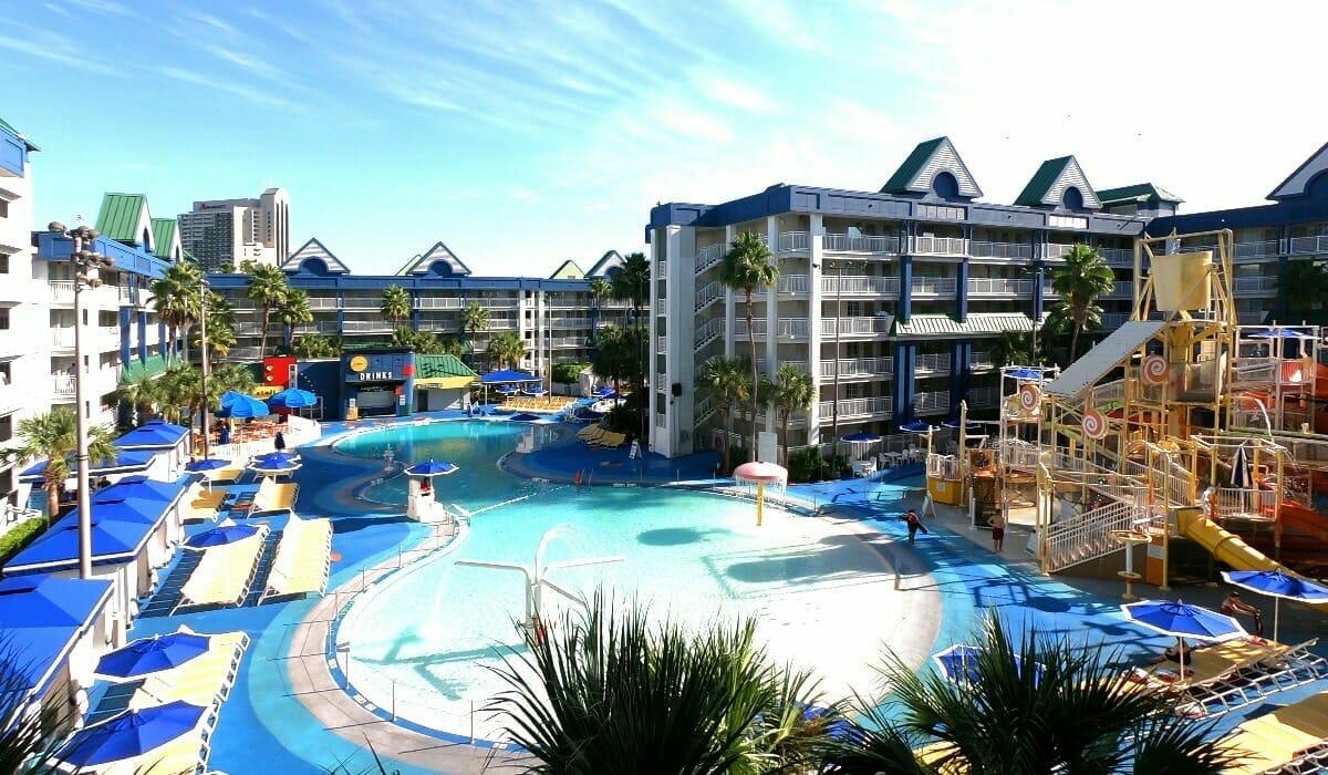 Holiday Inn Suites Waterpark Orlando Hotel Pool2