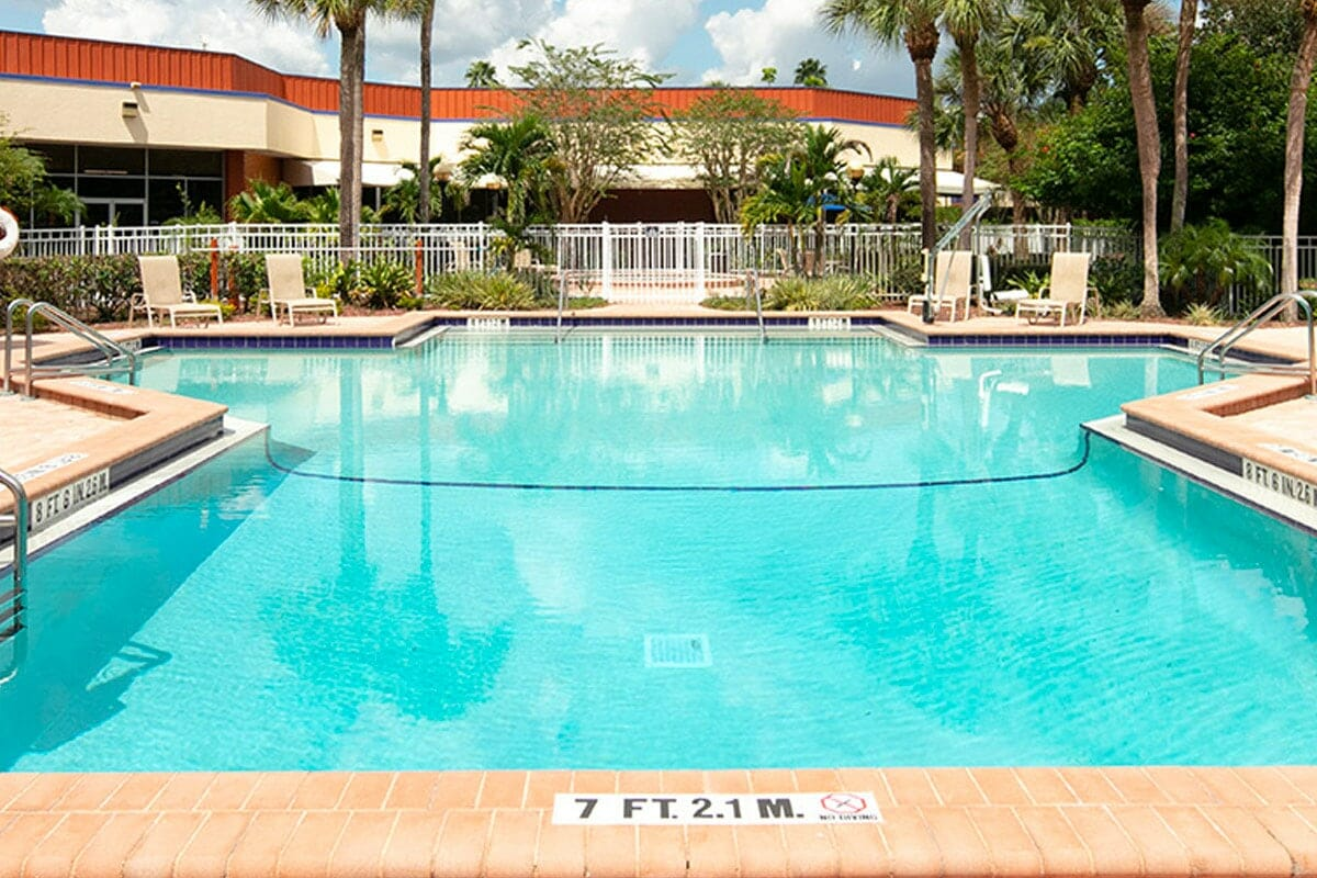 Red Lion Maingate Near Disney Orlando Hotel Pool 1
