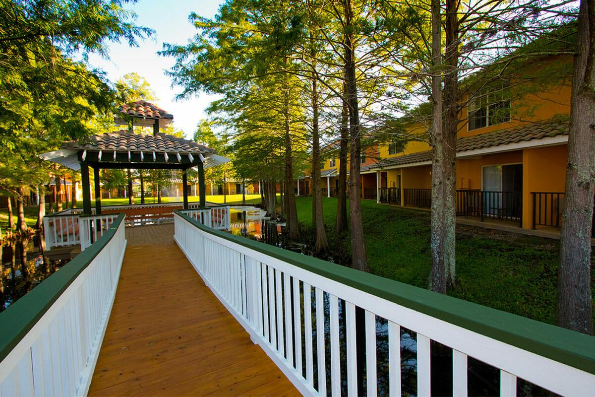 Saratoga Resort Villas Orlando Hotels gasebo