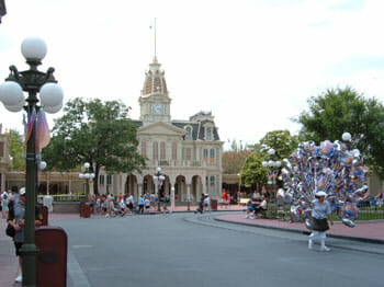 city hall magic kingdom