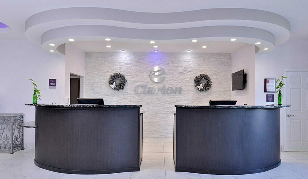 Clarion Hotel Orlando Reservation Desk