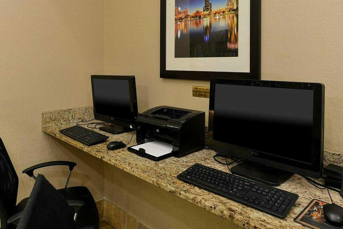 Comfort Inn Orlando Hotel Lake Buena Vista Busimess Center