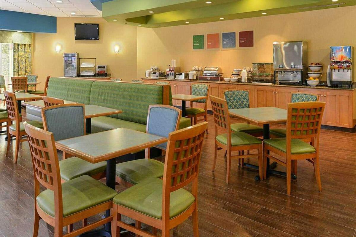 Comfort Inn Orlando Hotel Lake Buena Vista Dinning Area