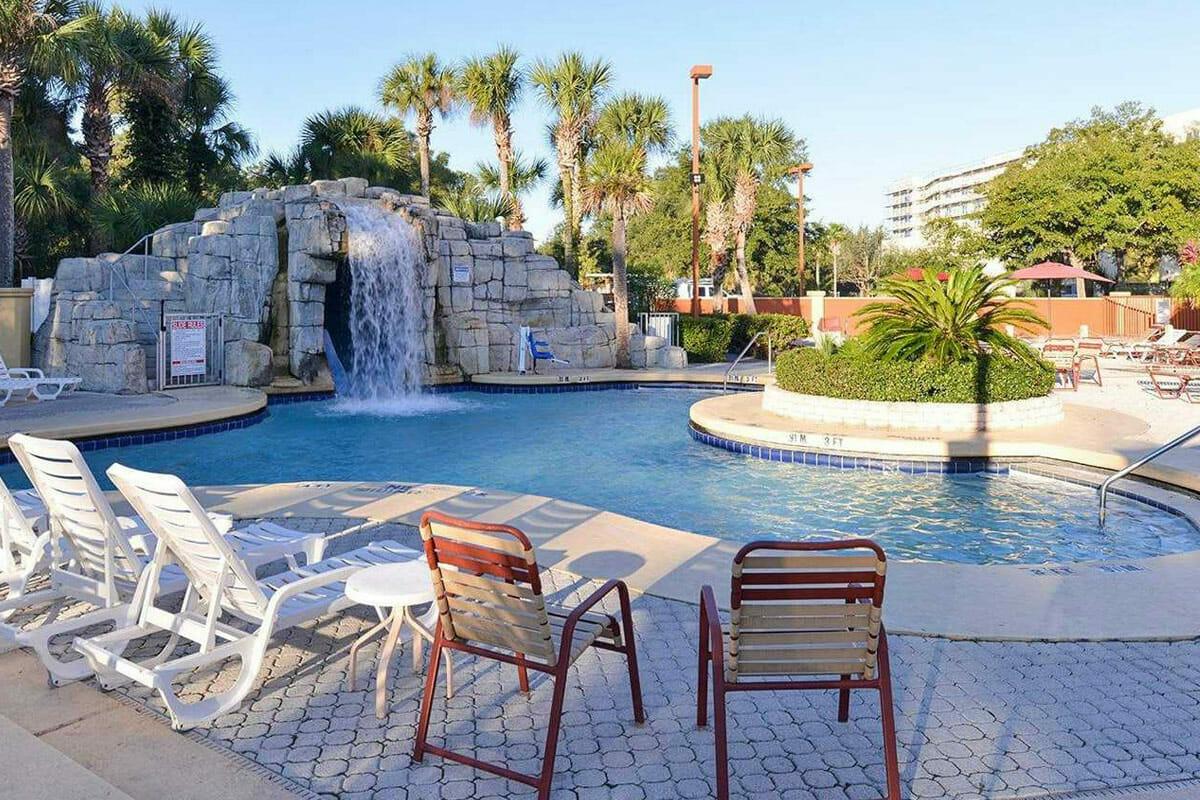 Comfort Inn Orlando Hotel Lake Buena Vista Pool 2