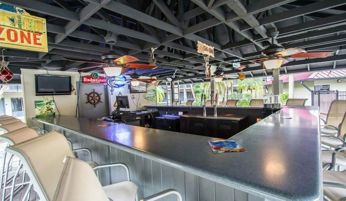 Royale Parc Suites Orlando Hotel OutDoor Bar