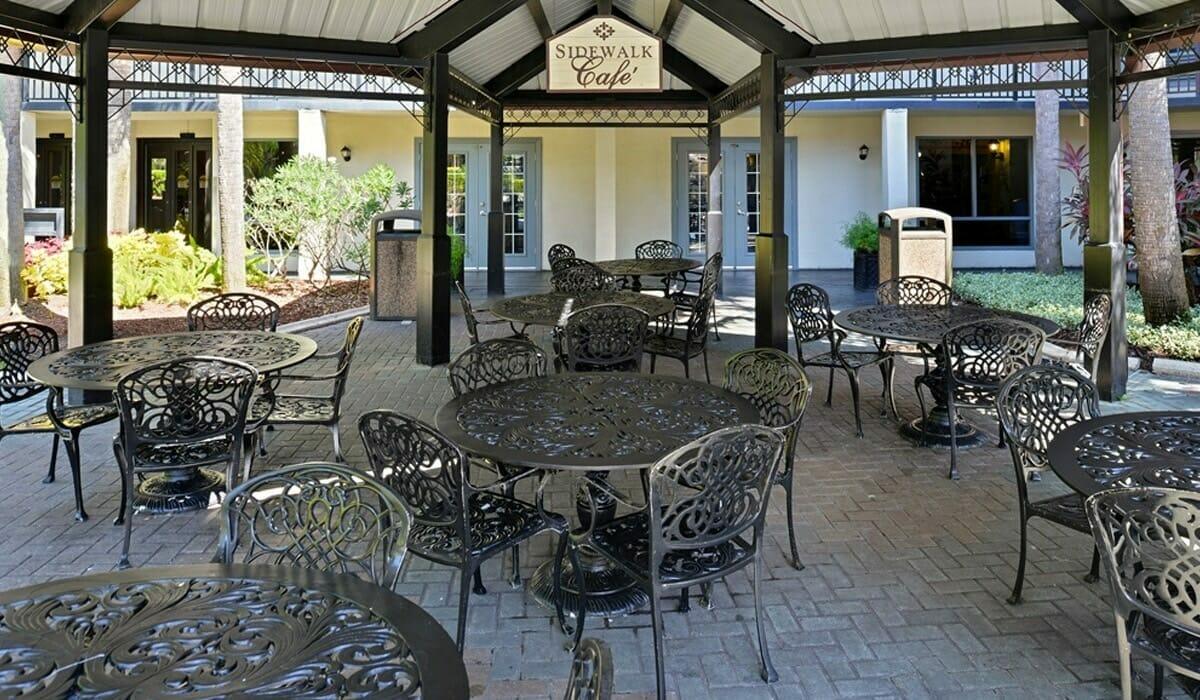 Royale Parc Suites Orlando Hotel Patio