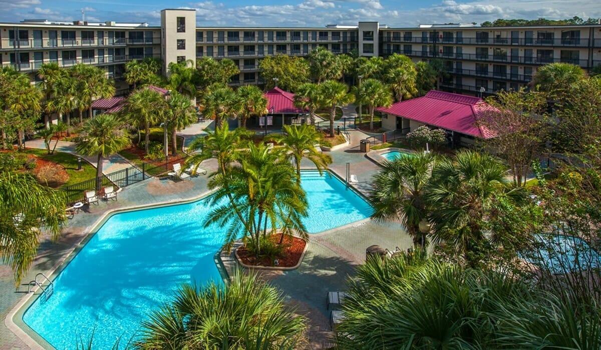Royale Parc Suites Orlando Hotel Pool 1