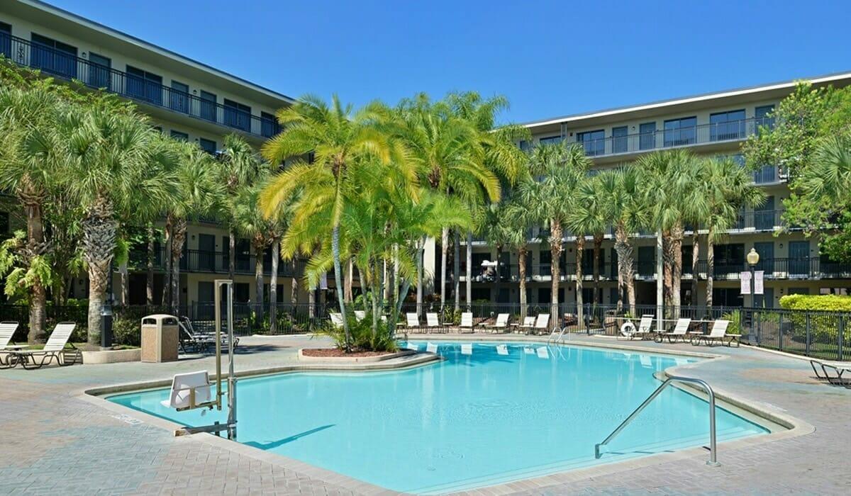Royale Parc Suites Orlando Hotel Pool 2