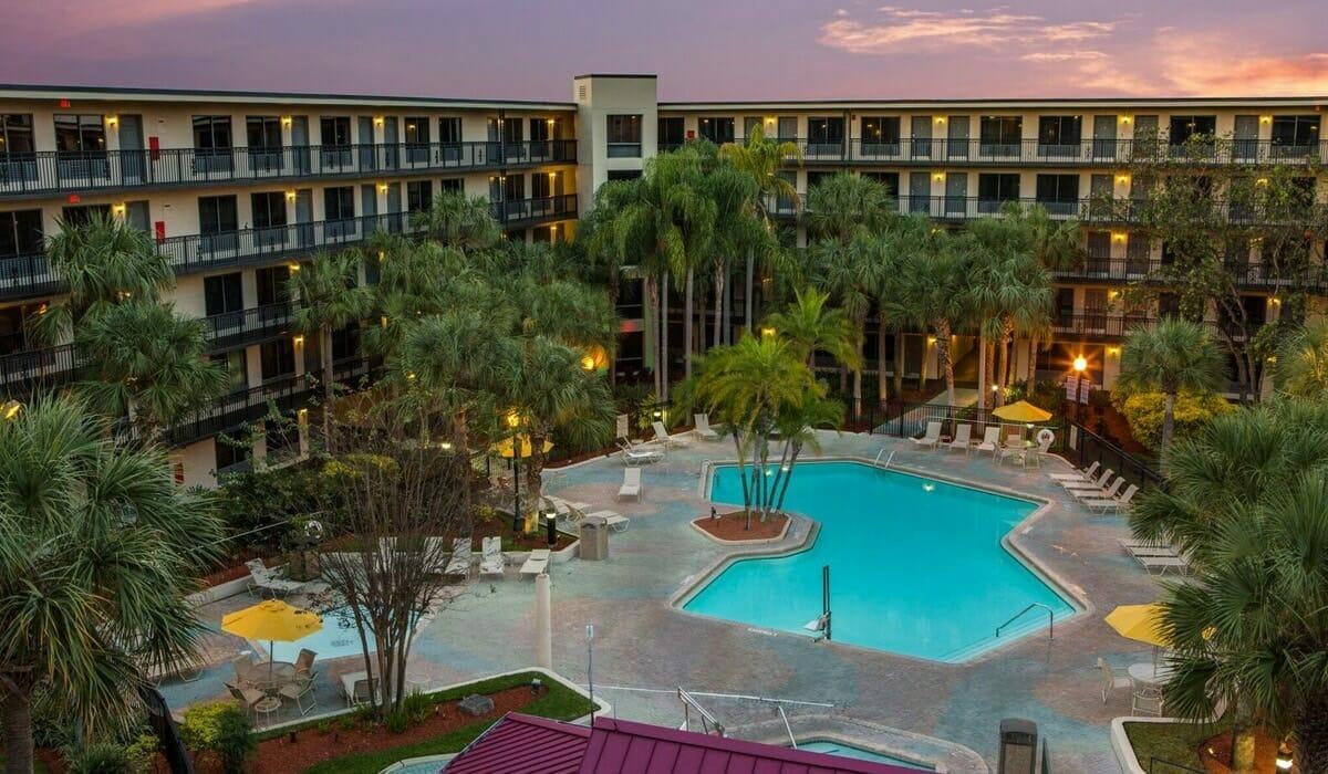 Royale Parc Suites Orlando Hotel Pool Top View