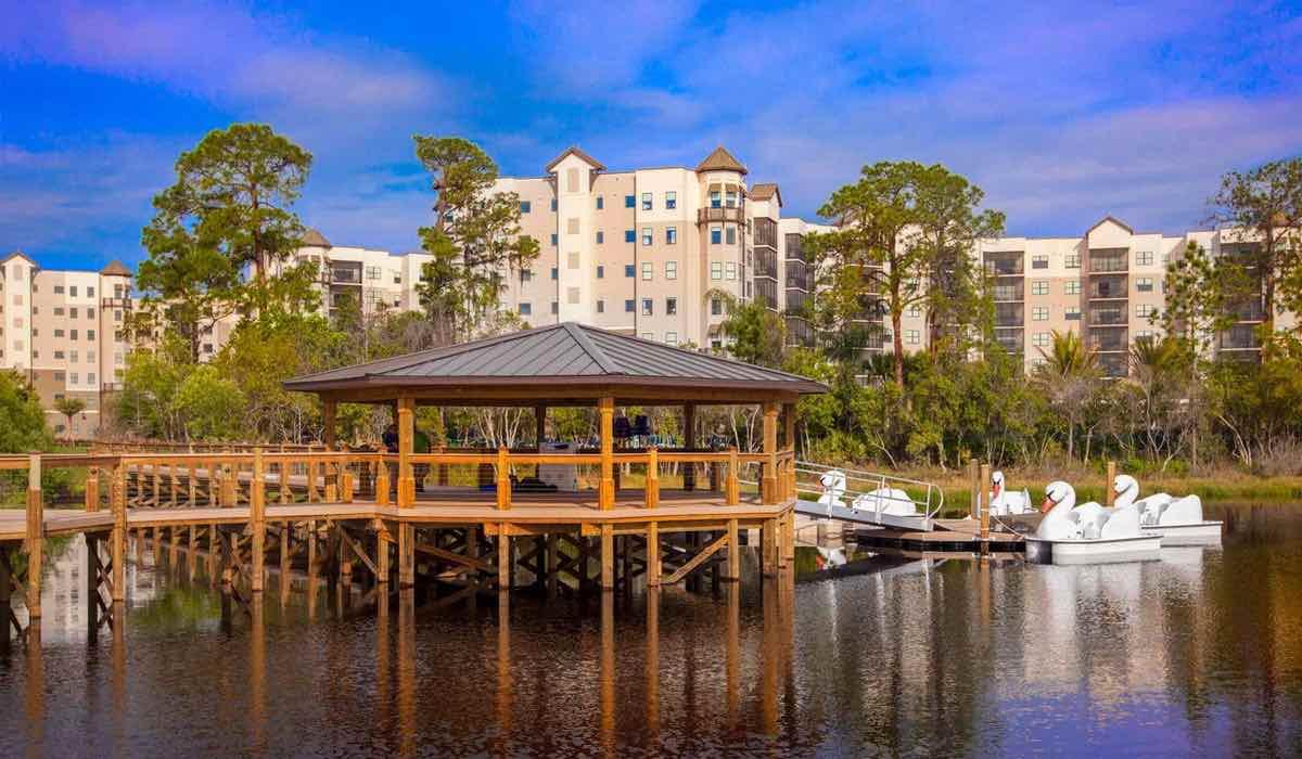 The Grove Resort and Spa Orlando Hotel lake