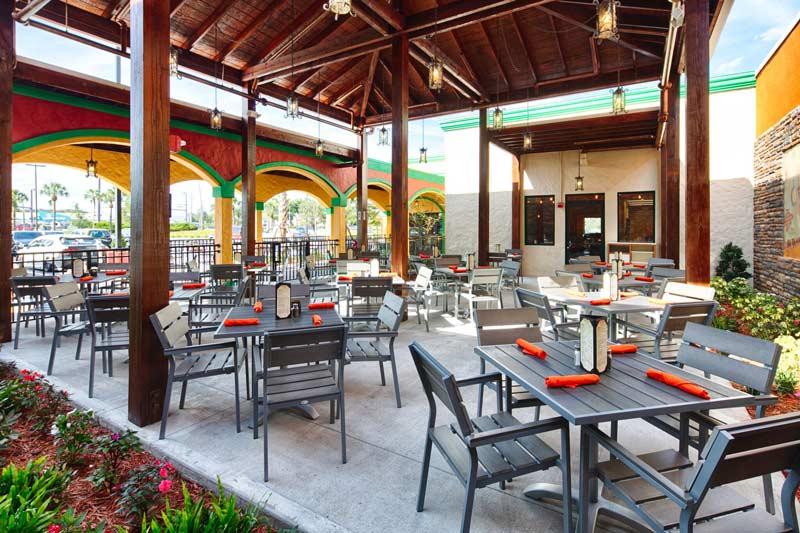 patio-bar-OrlandoVacation
